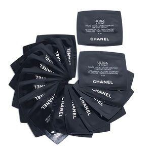 CHANEL Ultra Le Teint Foundation B 30 (15 Samples)
